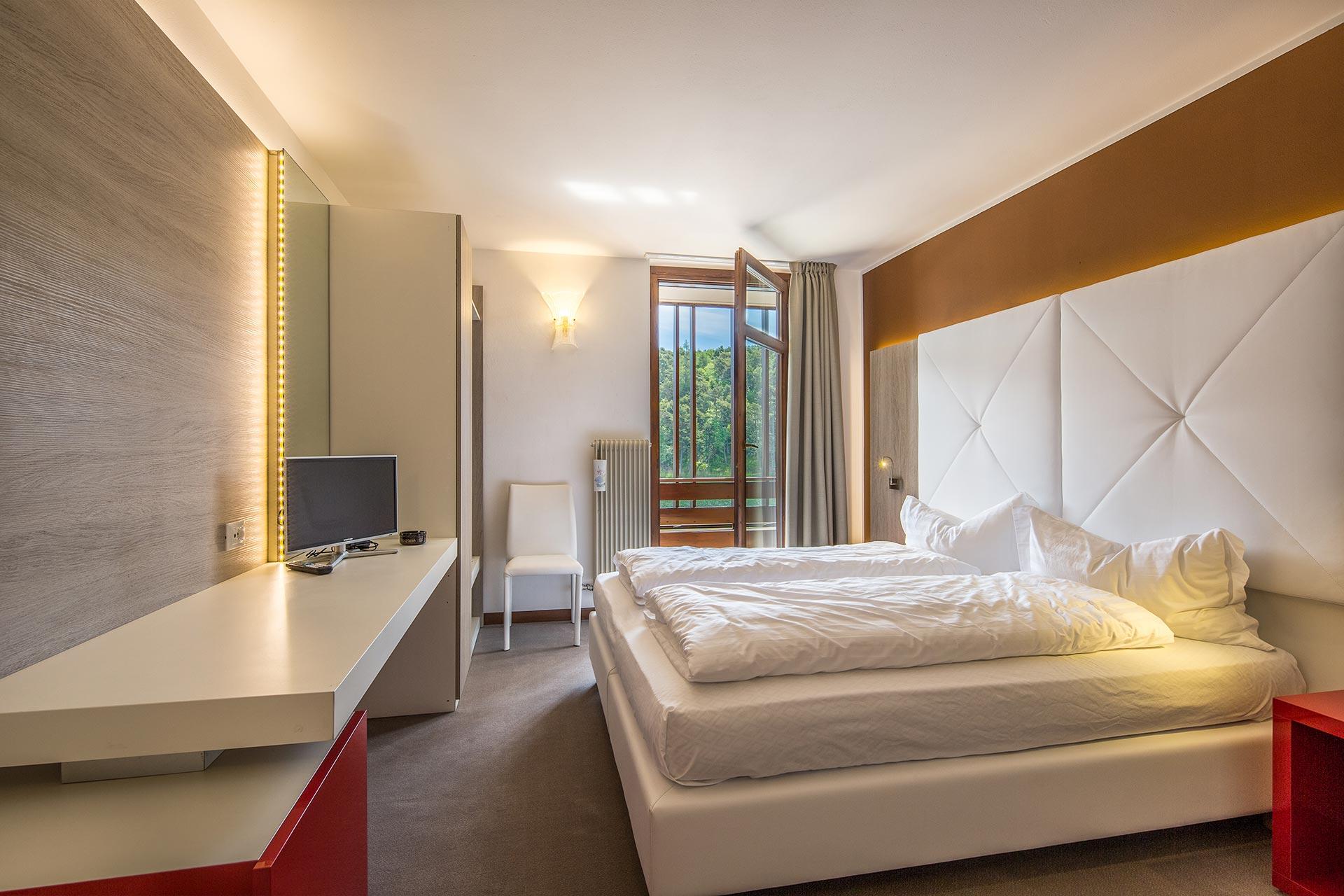 La carpa sanat in 2019 t for Camere albergo dwg